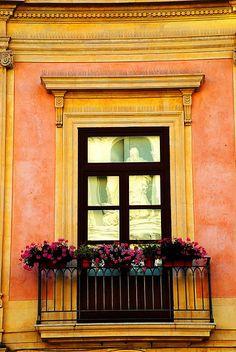 villesdeurope:  Beautiful window in Siracusa, Italy  via: teaintheafternoon.tumblr.com