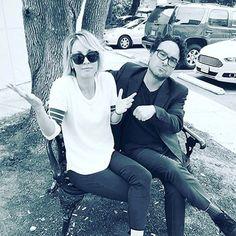 Kaley Cuoco desmente namoro com o ex Johnny Galecki