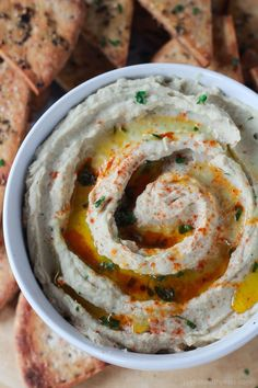 12 Delicious Ways to Eat Hummus; ways to change up the hummus routine and get creative for snacking Vegetarian Recipes, Cooking Recipes, Healthy Recipes, White Bean Recipes, White Bean Hummus, Garlic Hummus, Hummus Recipe, Vegan Hummus, White Beans