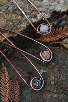 Rustic copper hair fork boho gemstone hair pin 4 by Kapelika Copper Hair, Copper Jewelry, Hair Jewelry, Jewellery, Hair Beads, Diy Hair Accessories, Wire Weaving, Wire Crafts, Hair Sticks