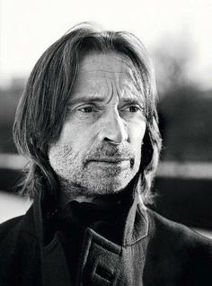 Walk With Giants - - Photo Gallery Robert Carlyle, the Glasgow Boy Film Music Books, Music Tv, Ouat Cast, Robert Carlyle, Peter Capaldi, David Tennant, Bobby, Famous People, Photo Galleries