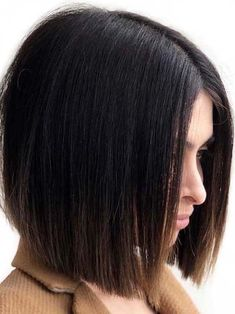 Best styles of celebrity inspired sleek straight bob haircuts for ladies to wear nowadays. Use to wear our alluring ideas of bob hair looks for absolutely stunning look in hair cuts in year Uneven Bob Haircut, Lob Haircut Straight, Modern Bob Haircut, Modern Bob Hairstyles, Best Bob Haircuts, Bob Haircuts For Women, Short Hairstyles For Women, Hairstyles Haircuts, Medium Hair Cuts