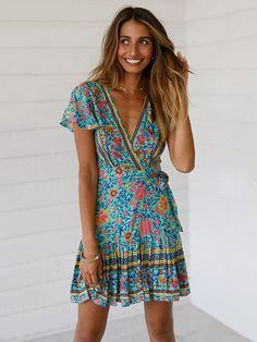 2ab9ed00abaf Short-sleeves V-neck Floral Beach Mini Dresses – bonboho Spiaggia Bohemien