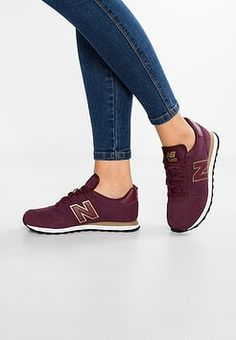 Ideas Basket Femme New Balance Shoes New Balance Sneakers, New Balance Shoes, Sneakers Fashion, Fashion Shoes, Zapatillas New Balance, Burgundy Outfit, Legging Sport, Tenis Casual, New Balance Women