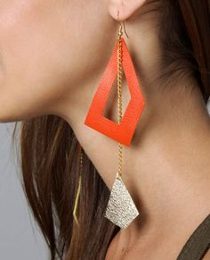 Geometric Earings - easy to hack Diy Leather Earrings, Diy Earrings, Leather Jewelry, Jewelry Crafts, Handmade Jewelry, Handmade Bracelets, Bijoux Diy, Fabric Jewelry, Polymer Clay Earrings