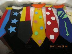 corbatas hora loca Emoji Images, Crazy Hats, Circus Party, Costumes, Halloween, Kids, Weddings, Moose, English