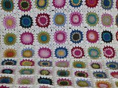 Ravelry: Sunburst Flower Granny Square pattern by Kasa Amend