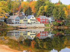 I love the Fall in New England.  Colors are better than anywhere else I've lived or visited. The Best Fall Foliage in the US - AccuWeather.com
