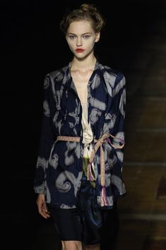 Dries Van Noten at Paris Fashion Week Spring 2006 - Livingly