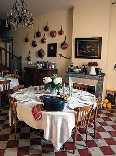 Mimi's home in Saint-Yzans, originally a winemaking château, once housed a legendary restaurant. French Country Cooking chronicles Mimi's efforts to carry on the tradition by opening an intimate pop-up restaurant. French Country Kitchens, French Country Bedrooms, Country Farmhouse Decor, Country Cooking, French Country Style, French Country Decorating, Country Bathrooms, Cottage Decorating, Modern French Decor