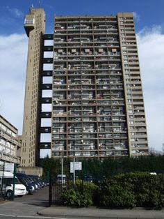 Some of London's most recognizable designs have come from foreign architects - like Ernö Goldfinger's Trellick Tower. Image © Flickr CC User Jim Linwood