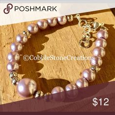"""⚡️Flash sale ⚡️Purple silver pearl bracelet Beautiful purple silver pearl bracelet made with metal parts made of zinc alloy which are nickel and lead free 8.5 """" length CobbleStone Creations Jewelry Bracelets"""