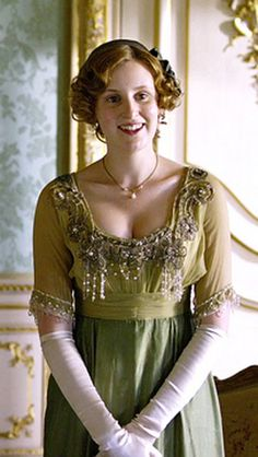 "the-garden-of-delights: ""Laura Carmichael as Lady Edith Crawley in Downton Abbey "" Downton Abbey Costumes, Downton Abbey Fashion, Dark Green Skirt, Edith Crawley, Laura Carmichael, Julian Fellowes, Dowager Countess, Moda Retro, Vintage Outfits"