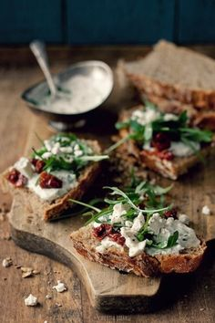 Tzatziki, feta, dried tomatoes and arugula.mmmmmmmmm i love feta Food For Thought, Think Food, I Love Food, Good Food, Yummy Food, Wine Recipes, Cooking Recipes, Healthy Recipes, Snacks