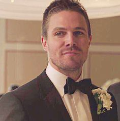 Arrow 3x17 Oliver Queen  Charming boy in Tux <3