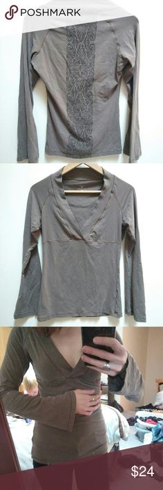 Patagonia Top SO flattering and comfy!!  With semi flared sleeves. Patagonia Tops