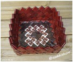 Wicker Baskets, Craft Ideas, Crafts, Handmade, Home Decor, Log Projects, Hampers, Braid, Bag