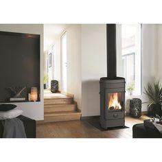 7 kW - Surface de chauffe : 38 à 112 m² - Volume de chauffe : 93 à 280 m³ - Rendement 78% - Taux de CO 0,12%.