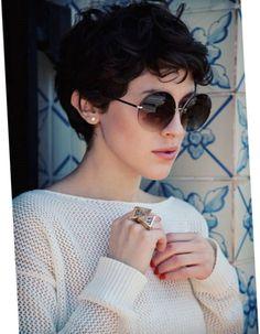 coupe courte femme 2017 pour cheveux ondulés en chatain cuivré