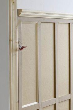 Panelen på plats i entréhallen och jag ser ljuset i tunneln… Wall Molding, Moulding, Moldings And Trim, Hallway Decorating, Wainscoting, Interior Design Living Room, Decoration, Interior Inspiration, House Design