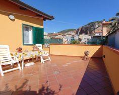 Vendita Monolocale indipendente con resede e cantina a Vecchiano. Per info e appuntamenti Diego 050/771080 - 348/3259137