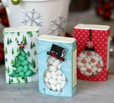 Handmade DIY Holiday Paper Gift Boxes and Tags! - Tatertots and Jello Handmade DIY Holiday Paper Gift Boxes and Tags Candy Crafts, Christmas Projects, Holiday Crafts, Diy Christmas Cards, Christmas Fun, Christmas Decorations, Paper Gift Box, Paper Gifts, Gift Boxes