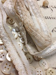 mother of pearl buttons + broderie anglaise Brown Beige, Taupe, Shoe Crafts, Small Sewing Projects, Lace Button, Linens And Lace, Love Sewing, Sewing Notions, Haberdashery
