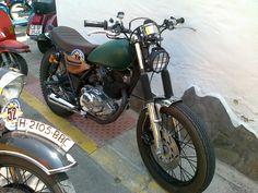 SR250 Club Trail Andalucía: Forums / Concentraciones / Concentración motos clásicas La Cacharrería-San Fernando. 29-6-13