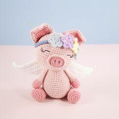 Flying Angel Pig Amigurumi Crochet Pattern : Little Crochet Angel http://oombawkadesigncrochet.com/2016 ...