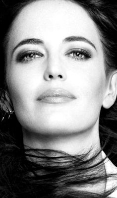 eva green sibylla kingdom of heaven Bond Girls, Timeless Beauty, Classic Beauty, Eva Green Casino Royale, Ava Green, Actress Eva Green, Green Pictures, French Actress, Up Girl