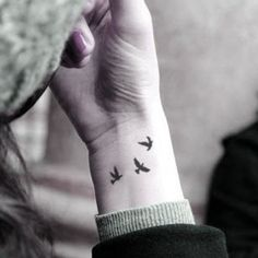 Resultado de imagen de three little birds tattoo on shoulder