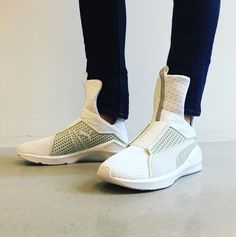 Puma (xRihanna) Fenty Trainer, the popularity of this sneaker is off the scale, watch out for the fakes already being sold online. Get a 32 point step-by-step guide from goVerify.it before it's too late.