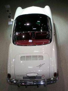 Beautiful #VolkswagenKarmannGhia Jeep Cars, Vw Cars, Dream Cars, Karmann Ghia Convertible, Volkswagen Karmann Ghia, Car Camper, Vw Beetles, Amazing Cars, Cars Motorcycles