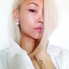 Double faux pearl stud earrings