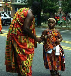 Kente Cloth - Fabric of royalty African Beauty, African Fashion, Africa Tribes, African Royalty, Culture Clothing, Kente Cloth, Rihanna Style, African Culture, Ghana