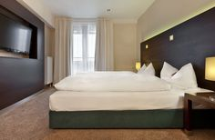 Flemings Hotel Munchen Schwabing-Set near the BMW, Allianz and Siemens headquarters in Munich's trendy district of Schwabing, the Fleming's Hotel Munich Schwabing boasts excellent transport connections to attractions including the Marienplatz square.