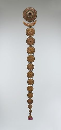 Plait ornament, 1700s-1800s, India. THIS IS DESIGNED TO DECORATE A BRAID (PUBLIC DOMAIN)