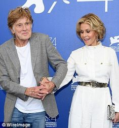 The acting heavyweights hugged as they picked up their Lifetime Achievement awards - with Fonda cheekily admitting she wished their sex scene in their latest film Our Souls At Night lasted longer. Hollywood Actor, Old Hollywood, Celebrity Couples, Celebrity Mugshots, Nude Gown, Keanu Charles Reeves, Celebrities Then And Now, Robert Redford, Beautiful Costumes