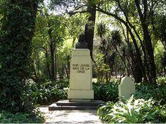 Calzada de los Poetas - Bosque de Chapultepec - Monumento a Sor Juana Ines de la Cruz