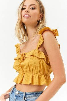 Forever 21 is the authority on fashion & the go-to retailer for the latest trends, must-have styles & the hottest deals. Shop dresses, tops, tees, leggings & more. Crop Top Outfits, Casual Fall Outfits, Chic Outfits, Summer Outfits, Girl Outfits, Fashion 2020, Look Fashion, Western Wear For Women, Cropped Tops