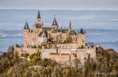 """Die """"Hohenzollern-Burg"""" bei Hechingen von R.Schönle"""