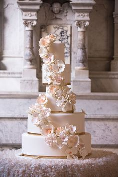 Remarkable Wedding Cake How To Pick The Best One Ideas. Beauteous Finished Wedding Cake How To Pick The Best One Ideas. Tall Wedding Cakes, Pretty Wedding Cakes, Luxury Wedding Cake, Amazing Wedding Cakes, Elegant Wedding Cakes, Wedding Cake Designs, Amazing Cakes, Cake Wedding, Strictly Weddings