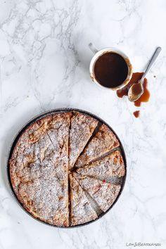 apple crumble cakea l i c e m c r a e _ Healthy Cake Recipes, Tart Recipes, Sweet Recipes, Dessert Recipes, Apple Crumble Cake, Apple Cake, Denmark Food, Muffins, Danish Food