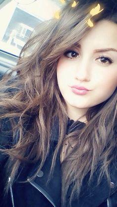 Find Valuable Skin Care Tips To Use – Toshirovo Beauty Teenage Girl Photography, Girl Photography Poses, Stylish Girls Photos, Stylish Girl Pic, Cute Girl Poses, Girl Photo Poses, Beautiful Girl Photo, Cute Girl Photo, Cool Girl Pictures