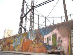 """..vieja estructura """"del Gas"""" , Rambla Sur. Montevideo"""