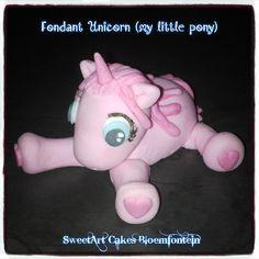 Little Poney, My Little Pony, Fondant Decorations, Types Of Cakes, Fondant Figures, Themed Cakes, Cupcake Toppers, Cake Decorating, Dinosaur Stuffed Animal