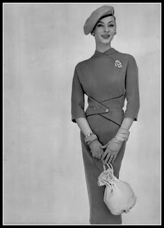 Ghislaine Arsac in lean, elegant, beige jersey dress, with… Vintage Fashion 1950s, Retro Fashion, Love Fashion, Steampunk Fashion, Gothic Fashion, Old Hollywood Style, Hollywood Fashion, Vintage Dresses, Vintage Outfits