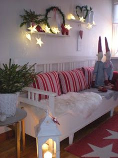Villa Tretton: Red and White Christmas ♥ ️ # cozy Christmas Informations About Villa Tretton : Röd o