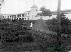 Casa e Iglesia de Annobon. Misión fundada en 1885. La iglesia se bendijo en 1903 y la nueva casa se comenzó a construir el año 1907