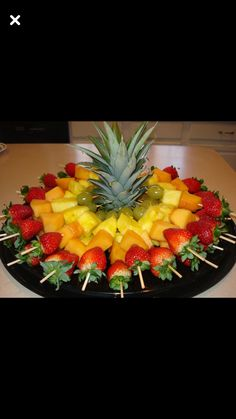 Luau fruit trays ideas: fruit skewers for a party cut top off of pineapple to, diy party luau party fruit tray display pineapple tree, hawaiian luau party watermelon whale, carved watermelon Baby shower food display= Fruit skewers for a party Cut top off Healthy Snacks, Healthy Eating, Healthy Recipes, Fruit Snacks, Kids Fruit, Fun Fruit, Fruit Cups, Fruit Kabobs Kids, Healthy Birthday Treats